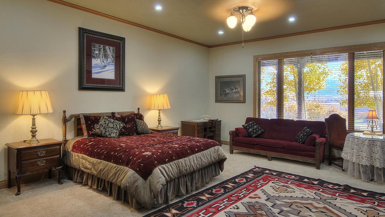 Indian Creek Ranch Guest Room