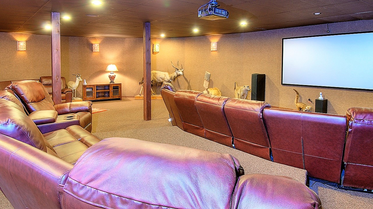 Indian Creek Ranch Home Theatre