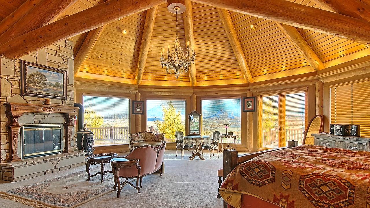 Interior Indian Creek Ranch