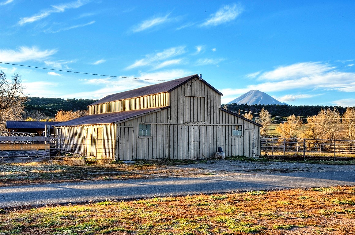 Indian Creek Ranch Hay Barn - Agriculture Ranch
