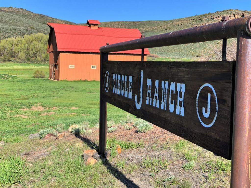 Circle J Ranch - Sign