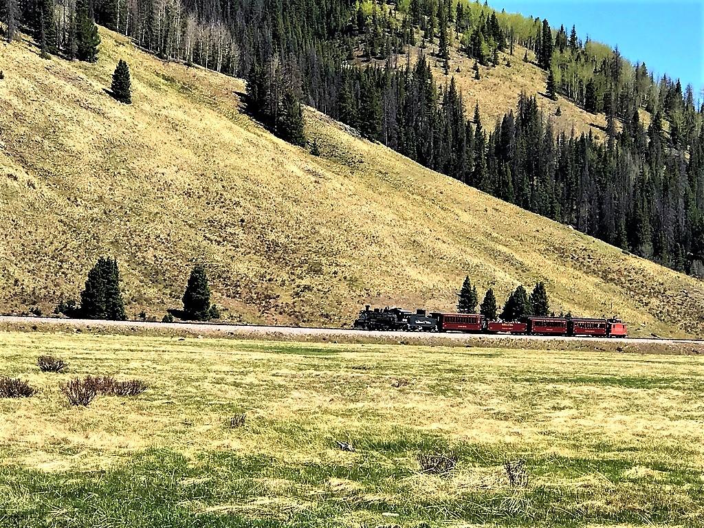 Rio de Los Pinos Ranch - Train