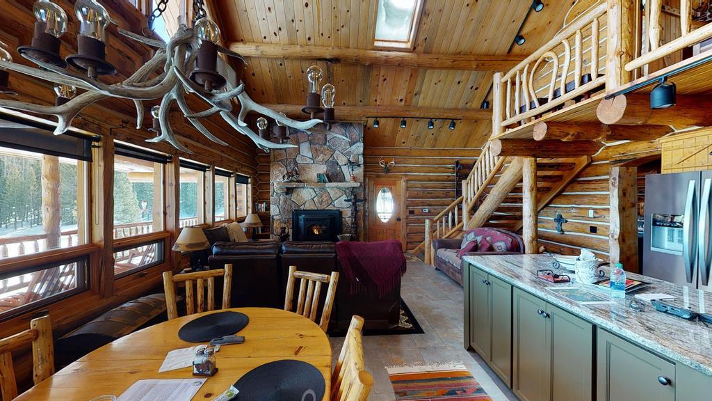 Little-Willow-Ranch- Dining & Livingroom