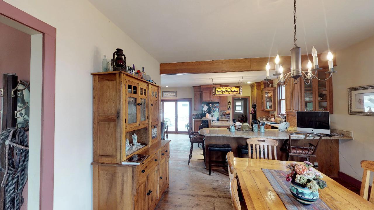 Powderhorn-Creek-Ranch-Dining & Kitchen