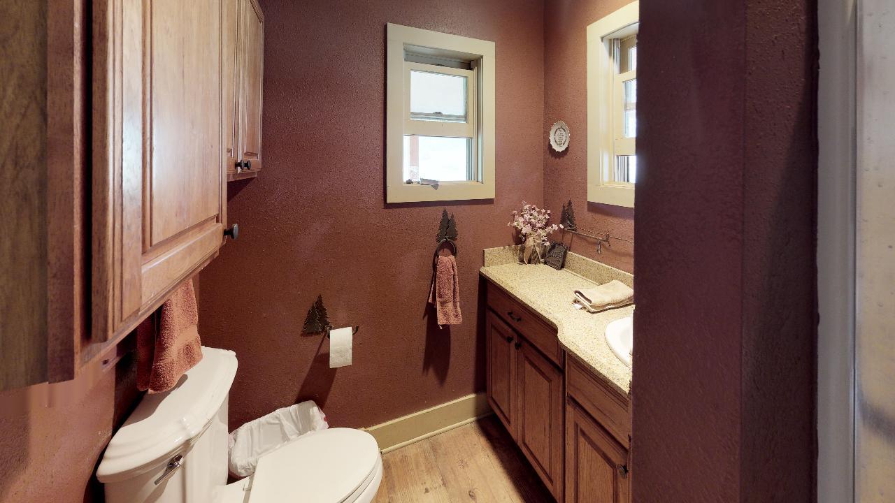 Powderhorn-Creek-Ranch-Bathroom1