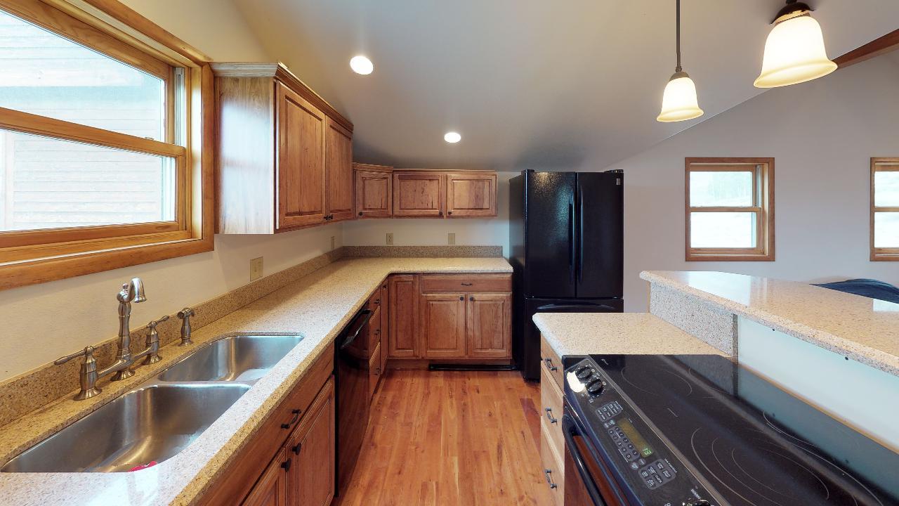 Powderhorn-Creek-Ranch-Guest-Quarters-Kitchen1