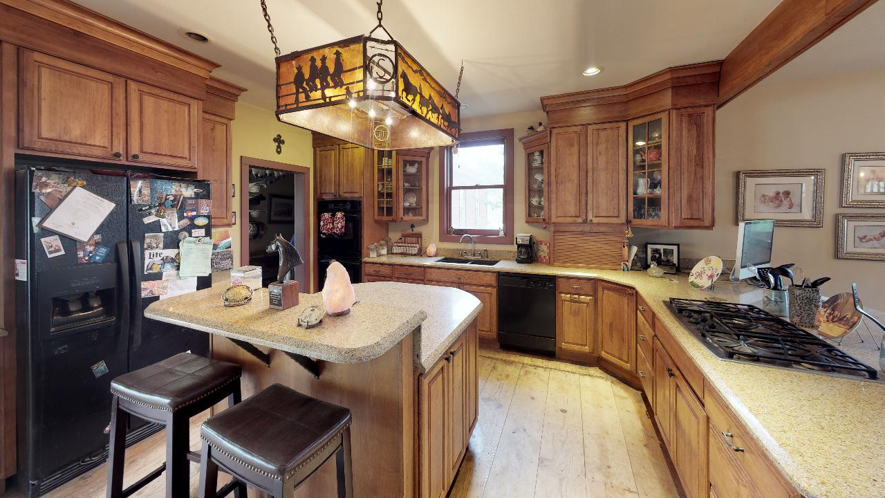 Powderhorn-Creek-Ranch-Kitchen