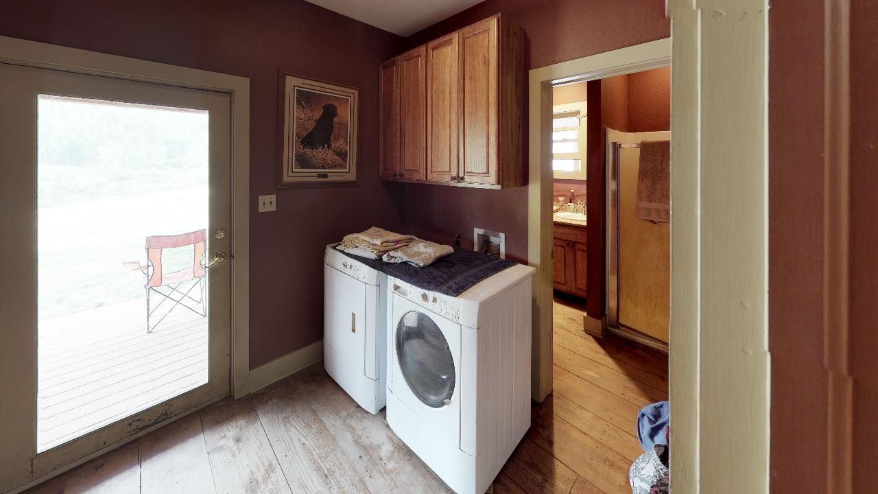 Powderhorn-Creek-Ranch-Laundry
