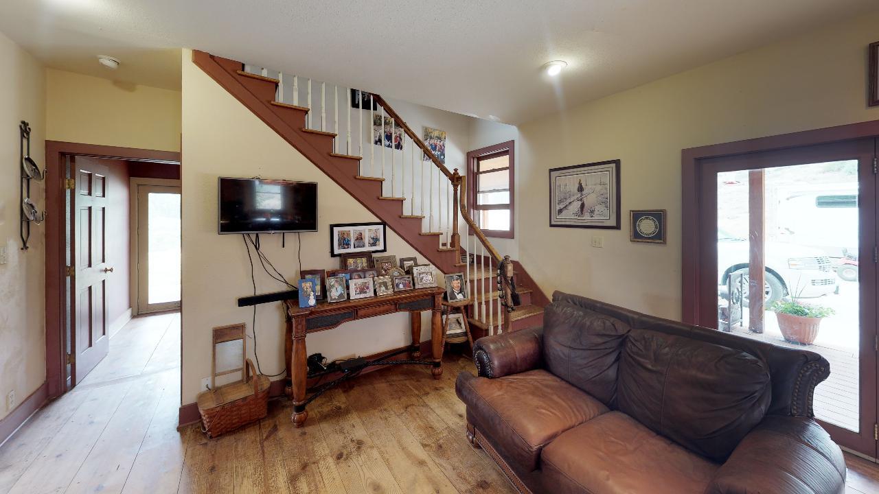 Powderhorn-Creek-Ranch-Living-Room1