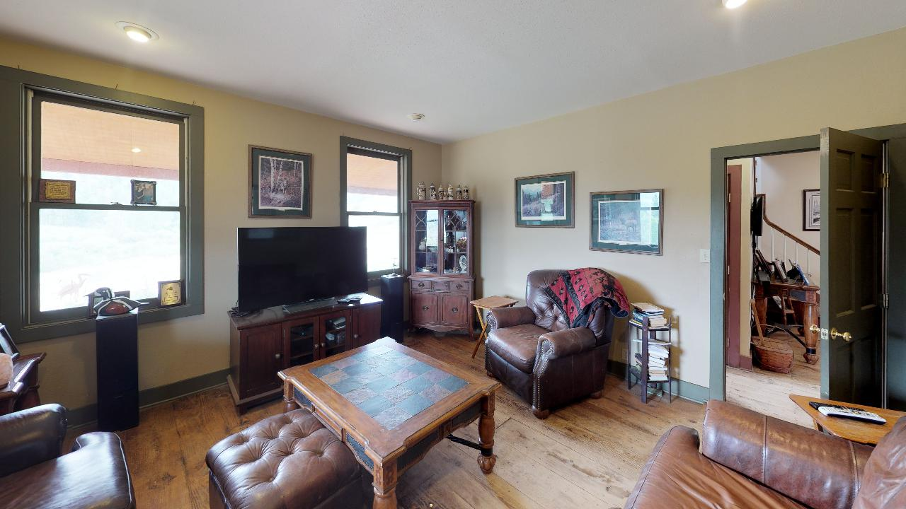 Powderhorn-Creek-Ranch-Living-Room2