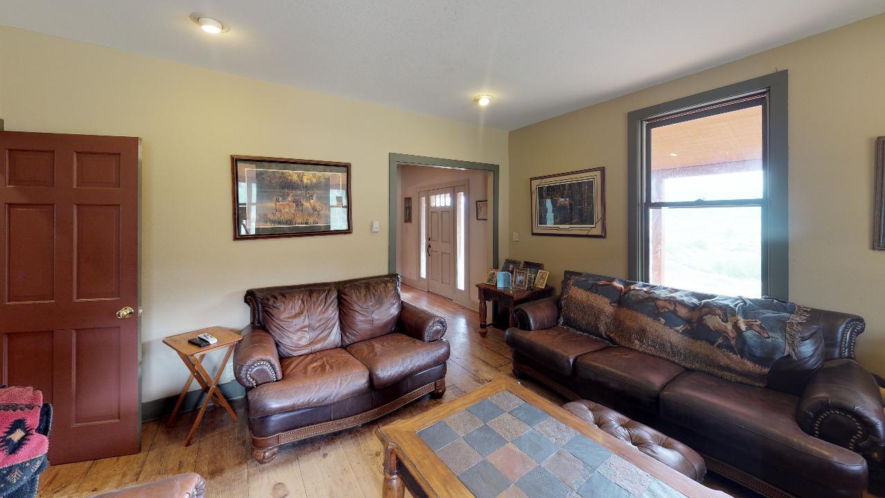Powderhorn-Creek-Ranch-Living-Room3