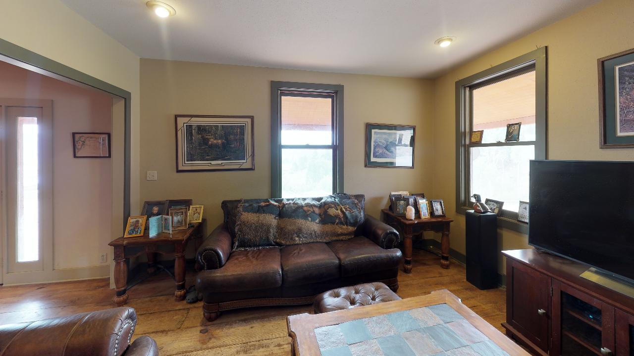 Powderhorn-Creek-Ranch-Living-Room4