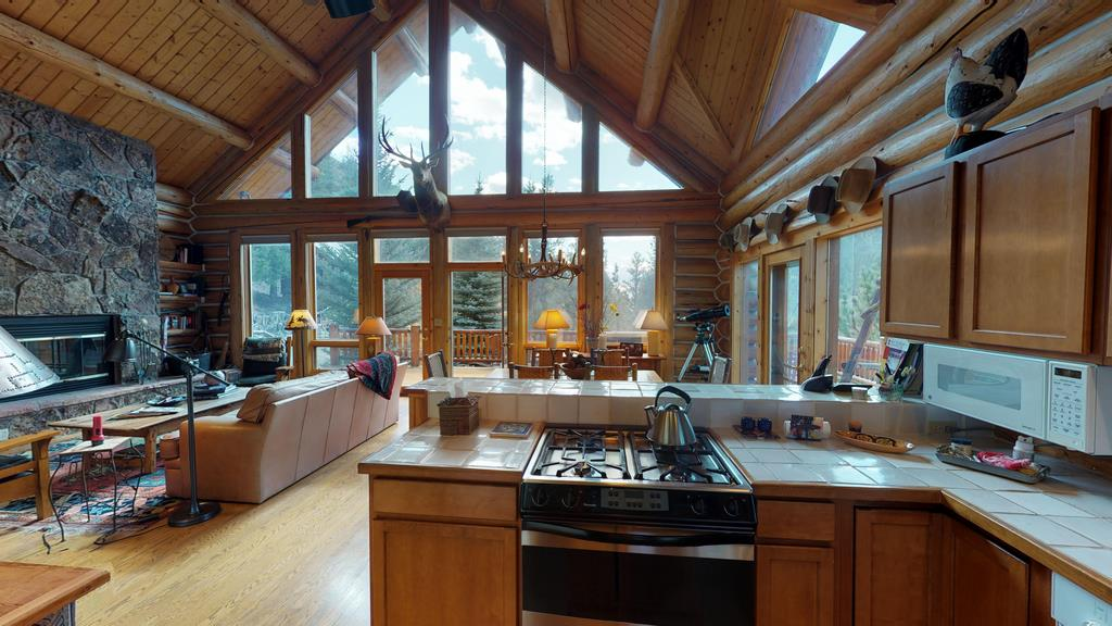 Serenity in the Lake Fork Hunt & Fish Club - Kitchen & Dining