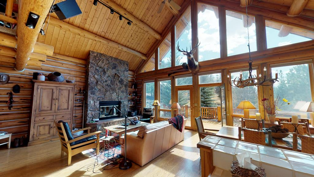 Serenity in the Lake Fork Hunt & Fish Club - Interior