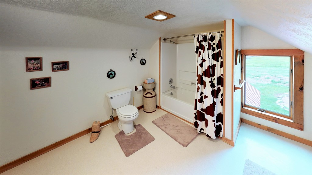 Circle J Ranch Bathroom