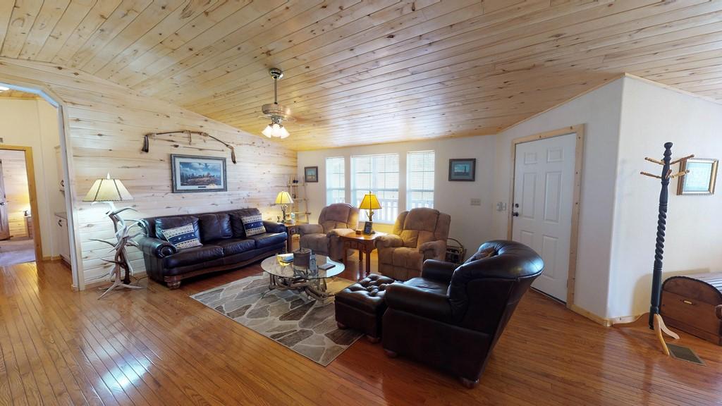 Los Creek Ranch - Interior Living Room