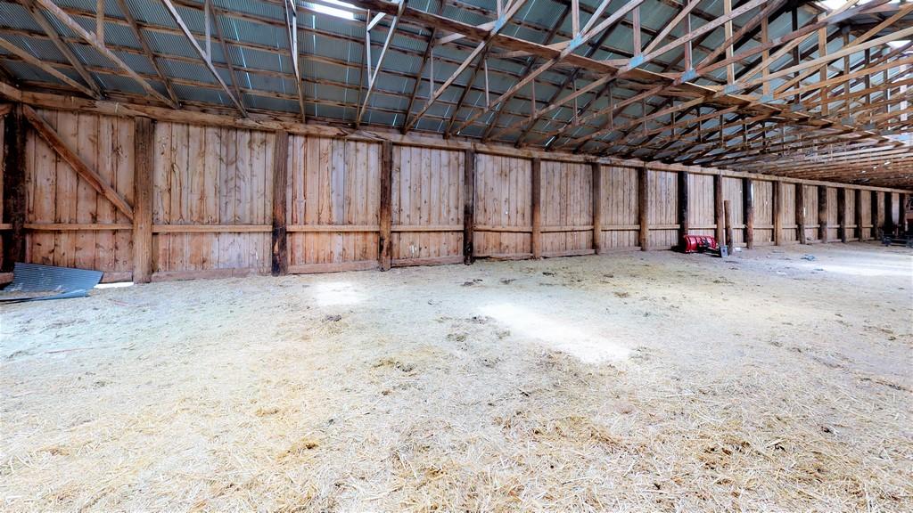 Lonesome Ranch - Barn