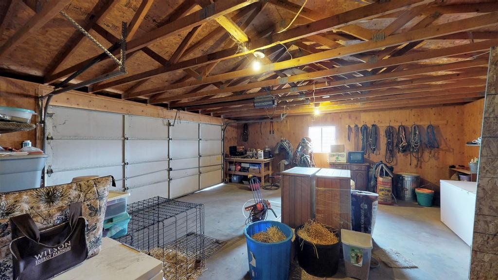 Lonesome Ranch - Garage