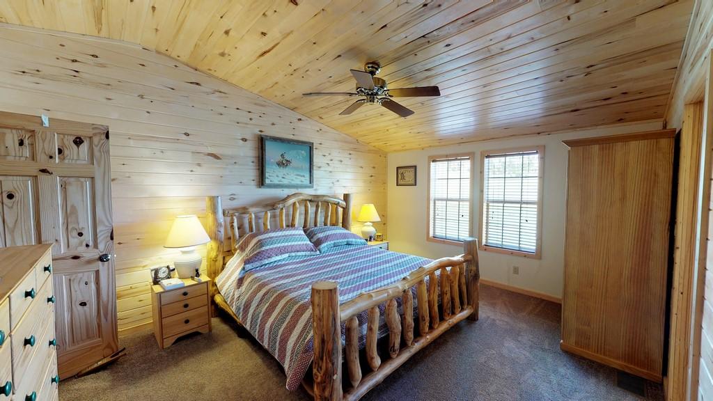 Los Creek Ranch - Bedroom