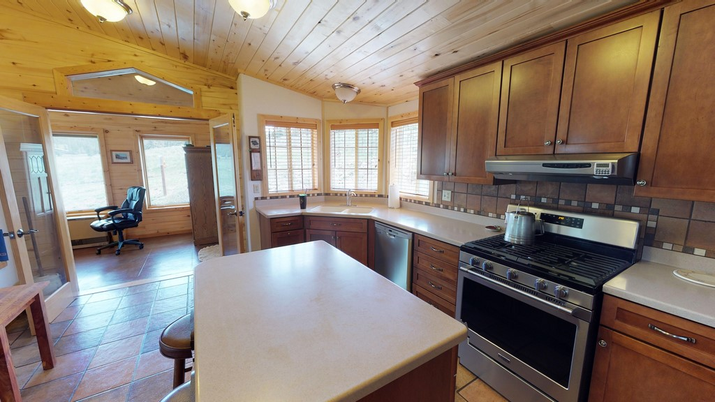 Los Creek Ranch - Kitchen(3)
