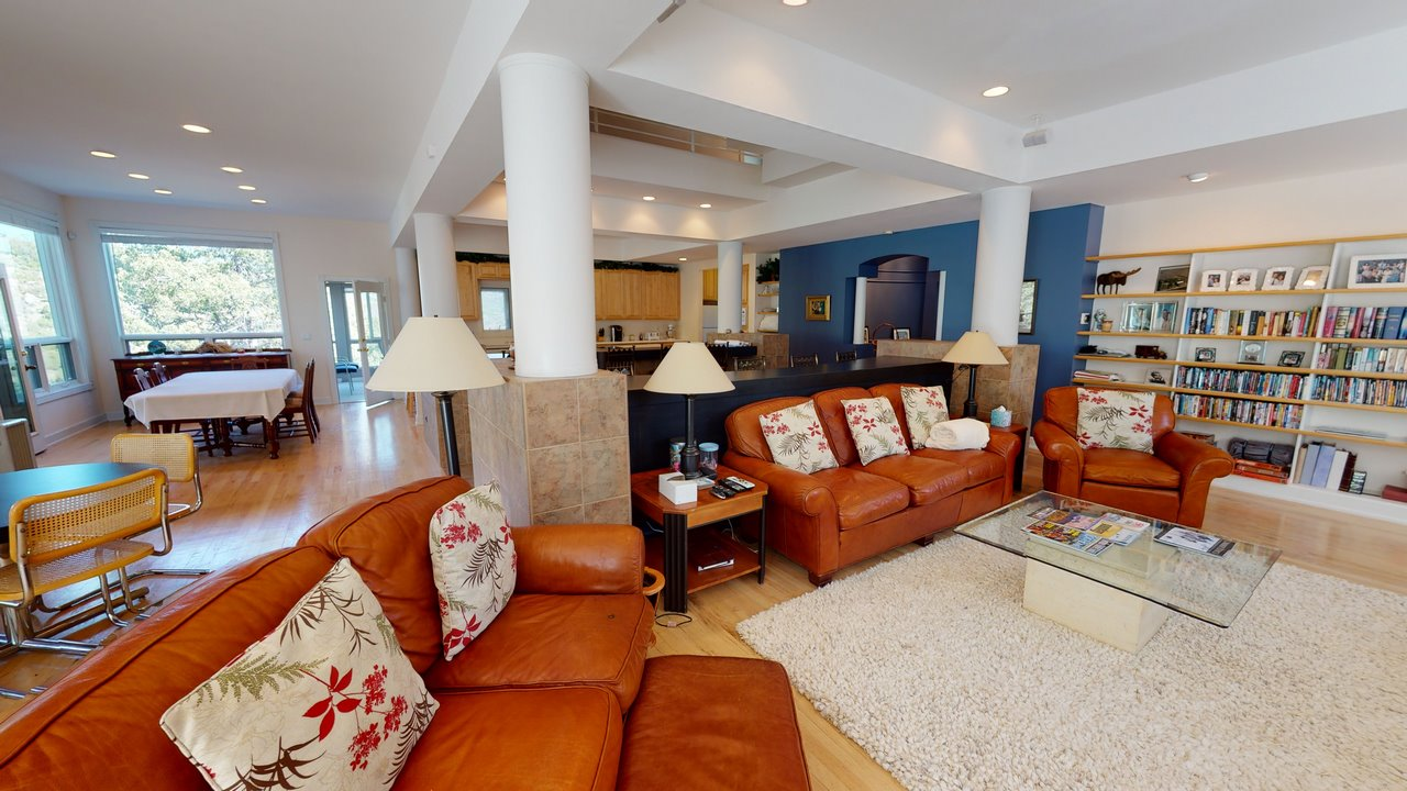 Thendara- Living Room & Dining