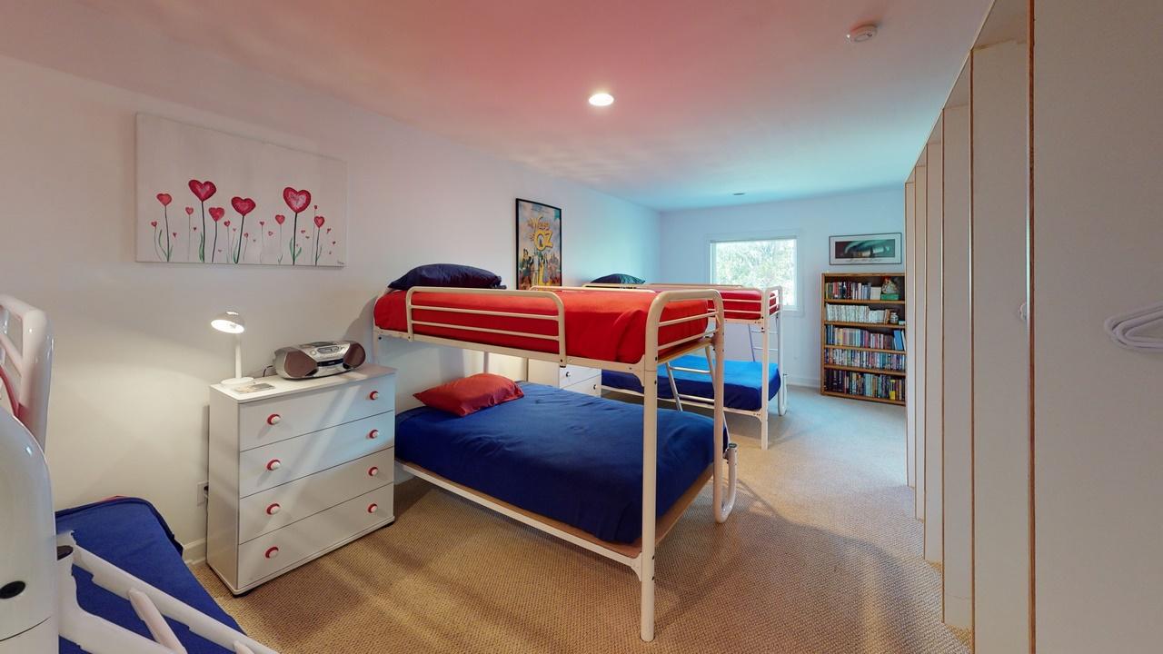 Thendara-Bedroom(2)