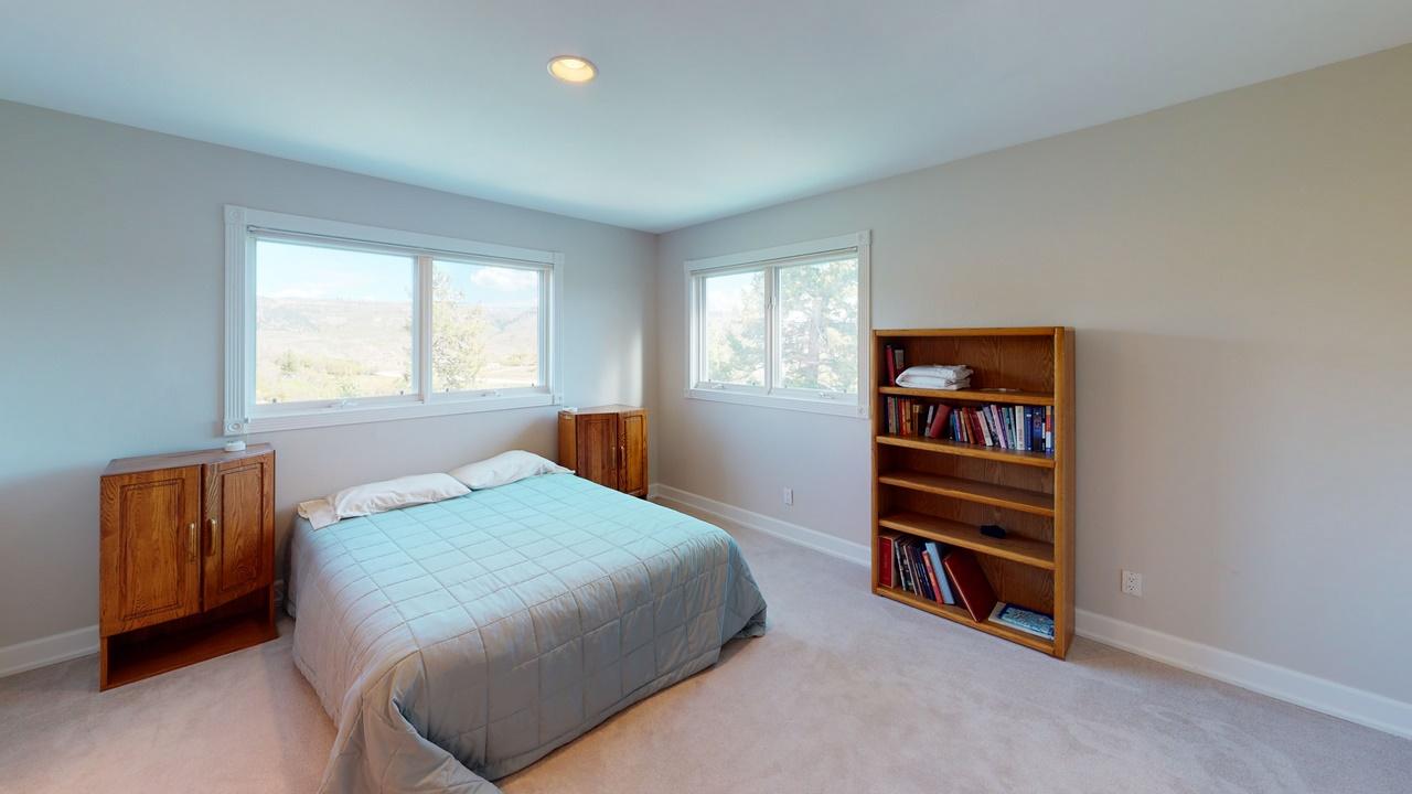 Thendara-Bedroom(4)