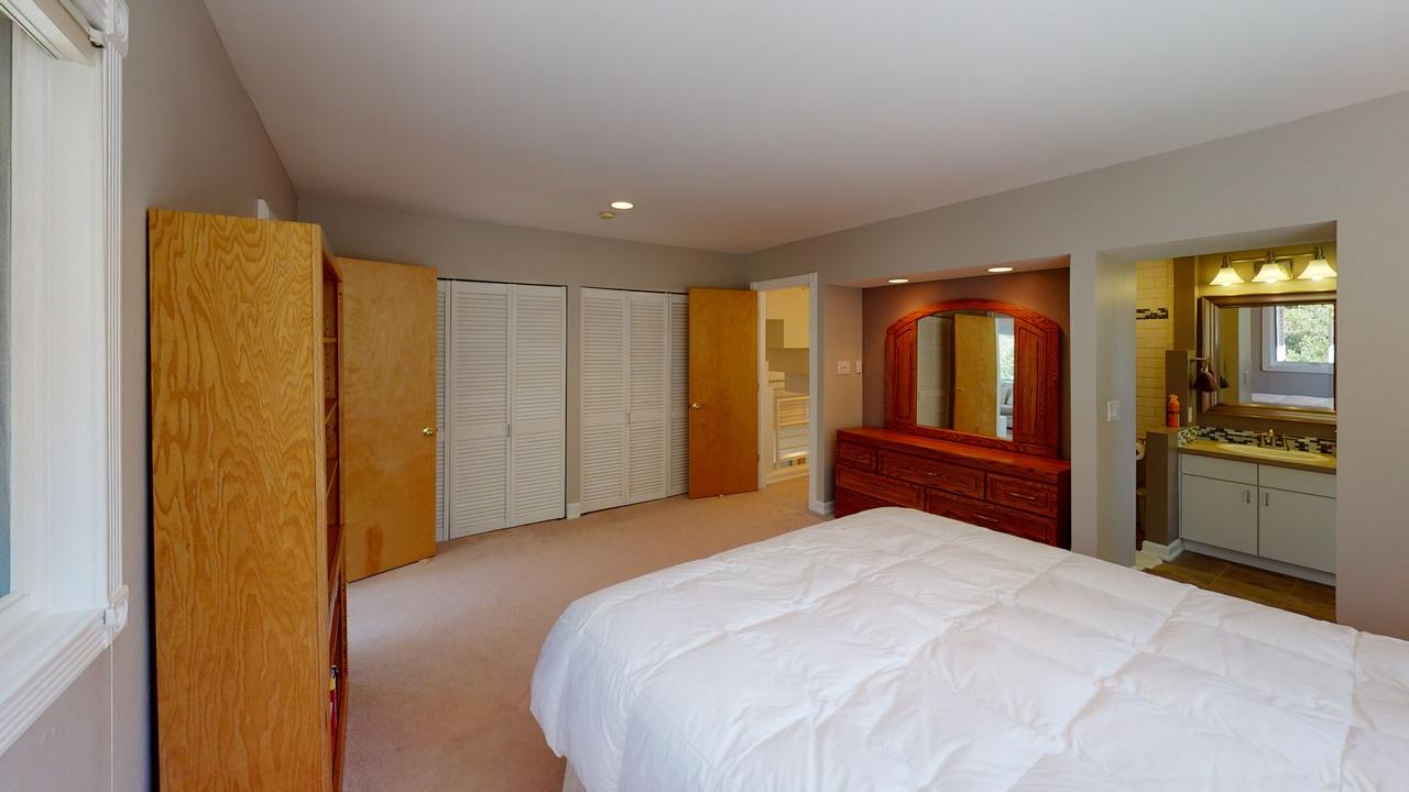 Thendara-Bedroom(7)